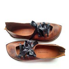Chaussures personnalisées à Burnt Cannelle - Fairysteps. Chaussures & Such