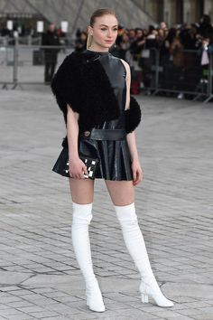 Sophie Turner attends Louis Vuitton Show as part of the Paris Fashion Week Womenswear Fall/Winter on March 2017 in Paris, France. Sophie Turner, Girl Celebrities, Celebs, White Thigh High Boots, White Boots, Tv Girls, Sexy Women, Women Wear, Louis Vuitton