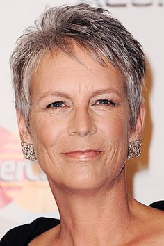 43 Ideas Hair Highlights Gray Products For 2019 Short White Hair, Short Hair Cuts, Short Hair Styles, Oval Face Shapes, Oval Faces, Grey Hair Men, Platinum Hair Color, Low Lights Hair, Mom Hairstyles