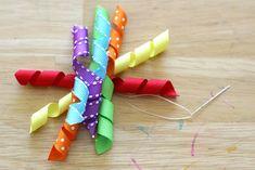 {How-to} Make Curly Ribbon Hair Bows - Glorious Treats Ribbon Hair Ties, Hair Ribbons, Ribbon Bows, Ribbon Curls, Ribbon Flower, Grosgrain Ribbon, Easy Hair Bows, Making Hair Bows, Bow Making
