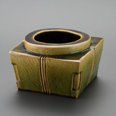 織部刻文花器 Vase with engraved,Oribe type 2013 Vase, Ceramics, Bracelets, Leather, Beautiful, Jewelry, Ceramica, Pottery, Jewels