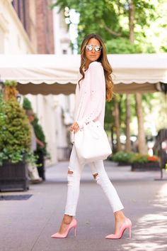 Pinterest @esib123 pink and white outfit