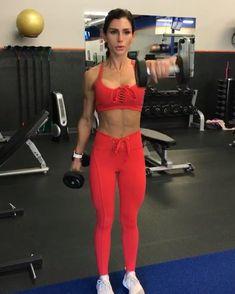 Shoulder Burnout 30seconds each no rest 3-4 rounds www.alexia-clark.com #alexiaclark #queenofworkouts #fitforHisreason…