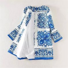 Awaytr 2017 Autumn Winter Women Blue White Trench Coat Casual Flower Print Outwear Coat Vintage Print Long Loose Cotton Cardigan