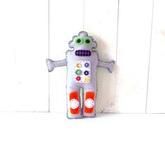 Robot Hand Sewing PATTERN // Make Your Own Hand Embroidered Felt Plushie // Easy