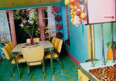 Kitsch Decor Believers in kitsch decor!