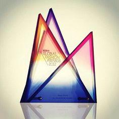 """Les compartimos el premio """"Best Store 2012"""" que nos otorgó en la WGSN durante los @GlobalFashionAwards."""