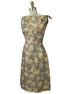 #Retro holiday dress #BlueVelvetVintage