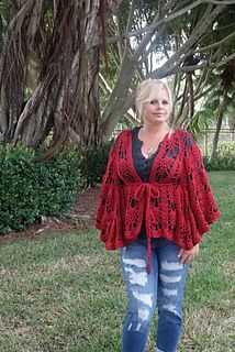 Free crochet pattern: Vinga Belted Cape (Worsted Weight Version) with video tutorials by Kristin Omdahl Crochet Capelet Pattern, Crochet Lace Collar, Crochet Poncho Patterns, Crochet Shawls And Wraps, Crochet Shirt, Shawl Patterns, Crochet Cardigan, Crochet Vests, Crochet Edgings