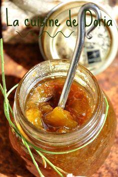 De bonnes figues du jardin, de la menthe, du citron et un peu de vanille et le tour est joué pour une confiture maison... Ingrédients pour 3 pots 1 kg de figues 300 gr de cassonade 1 gousse de vanille Zeste d'1 citron 1 poignée de feuilles de menthe La...