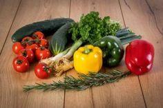 Organic Vegetable Garden Design Ideas For The Home Gardener Modular Home Parts And Acc. Healthy Fruits And Vegetables, Organic Vegetables, Roasted Vegetables, Plant Based Nutrition, Plant Based Diet, What Is Crop, Detox Tips, Vegetable Garden Design, Best Fruits