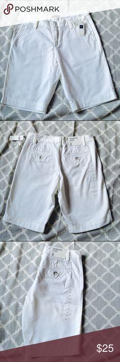 "NWT Gap White Straight Fit Chino Bermuda Shorts NWT Gap White Straight Fit Chino Bermuda Shorts. Hidden zip with double hook closure. Belt loops and 4 pockets. 10 1/4"" inseam Gap Shorts Bermudas"