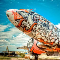 Sweet and how cool that the art is on a plane!