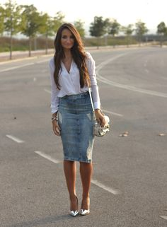 Pure Style by Erika: Denim Midi Skirt Modest Outfits, Modest Fashion, Skirt Fashion, Chic Outfits, Fashion Outfits, Apostolic Fashion, Modest Clothing, Summer Outfits, Denim Skirt Outfits