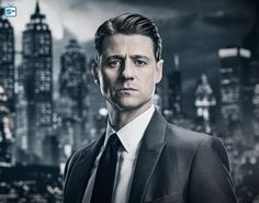 Why We Hope the Halo TV Show Isn't Like Gotham - Unlocked Highlight The Gotham TV show's key appeal-related flaw is one we're hoping that Showtime's upcoming Halo TV series will avoid. Why The New Halo TV Show Detai. Gotham Tv Series, Gotham Cast, Ben Mckenzie Gotham, Gotham Season 4, Benjamin Mckenzie, Gotham Characters, Gotham News, Badass Movie, Tim Drake Red Robin