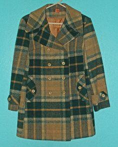 Vintage 1960s Ladies Heavy Wool Plaid Double-Breasted Winter Coat — Size 6
