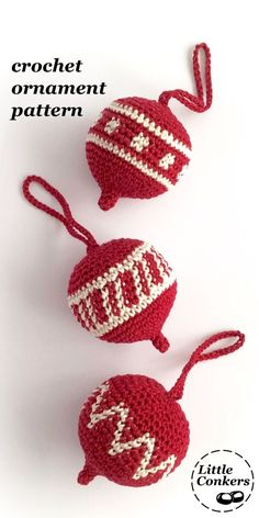 Christmas ornament crochet pattern by #LittleConkers. Easy Christmas crochet project, with details on how to design your own motifs for the central panel.