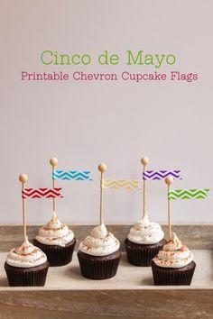 Free Printable Cinco de Mayo Chevron Cupcake Flags by The TomKat Studio! (+ 11 more free printables!!) Download here: http://www.thetomkatstudio.com/cincodemayoprintables/