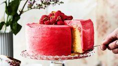Glögi ja valkosuklaa hurmaavat jouluisessa juustokakussa. Yummy Cakes, Watermelon, Panna Cotta, Chocolate, Ethnic Recipes, Desserts, Food, Zucchini Gratin, Raspberry