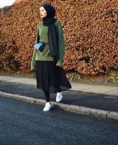 Super Skirt Hijab Casual Winter 43 Ideas All the Fashion Stuff I like Hijab Casual, Stylish Hijab, Hijab Chic, Winter Skirt Outfit, Casual Skirt Outfits, Modest Outfits, Winter Outfits, Street Hijab Fashion, Muslim Fashion