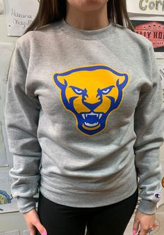 Champion Pitt Panthers Mens Grey Panther Head Long Sleeve Crew Sweatshirt - 14755136 Pitt Panthers, Crew Sweatshirts, Pittsburgh, Champion, Sporty, Stylish, Grey, Long Sleeve, T Shirt