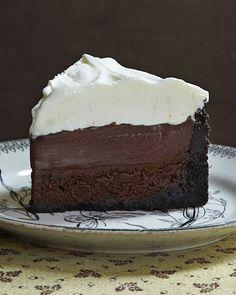 Mississippi Mud Pie (aka Muddy Mississippi Cake). Cookie crust, chocolate cake, chocolate pudding and whipped cream!
