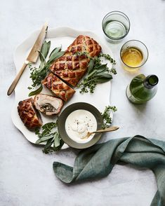 Pork Wellington with Prosciutto and Spinach-Mushroom Stuffing Juicy pork tenderloin is filled Sauteed Mushrooms And Spinach, Creamed Mushrooms, Pork Wellington, Pork Recipes, Cooking Recipes, Cooking Ideas, Pasta, Mashed Sweet Potatoes, Comfort Food