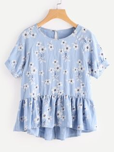 Cheap printed blouse, Buy Quality floral print blouse directly from China shirt blue Suppliers: SHEIN Botanical Print Raglan Sleeve Hi Lo Smock Top Cute Girls Ruffle Hem Shirt Blue High Low Floral Print Blouse Spring Summer Fashion, Spring Outfits, Look Fashion, Womens Fashion, Fashion Tips, Fashion Trends, Dress Me Up, Passion For Fashion, Dress To Impress