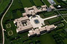 See the most expensive houses in the world. Houses like Kensington Palace Gardens, Duke Semans Mansion, Antilia and many others. Visit Live Enhanced for more. Beautiful House Images, Beautiful Homes, Mega Mansions, Mansions For Sale, Hamptons House, The Hamptons, Kensington Palace Gardens, Billionaire Homes, Dream Mansion