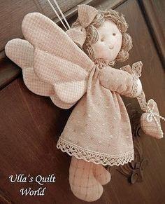 Ulla v Prikrývka svet: Quilted anjel, vzor a návod Christmas Projects, Christmas Crafts, Christmas Ornaments, Sewing Crafts, Sewing Projects, Angel Crafts, Angel Ornaments, Christmas Angels, Fabric Dolls
