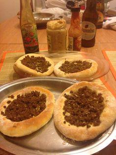Esfiha de carne com pimenta Síria . A massa ficou explêndida!
