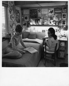 Vintage Dorm Room -- or How I Learned to Hate Mid-Century Modern Monday Inspiration, Room Inspiration, University Rooms, State University, People Reading, Girls Slip, Thing 1, College Dorm Rooms, College Life