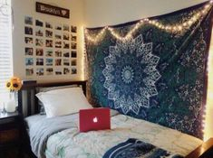 These space saving hacks are perfect for small dorm rooms!