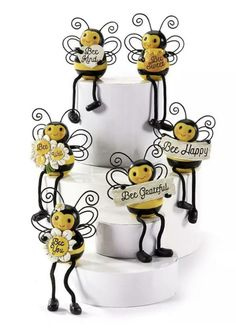 Aquarius Birthday, Bumble Bee Honey, Bee Drawing, Bee Skep, Bee Party, Bee Crafts, Bugs And Insects, Bee Theme, Bees Knees
