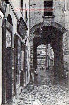 #Firenze scomparsa: Volta de' Pecori vista da Via De' Pecori verso il Campanile di Giotto
