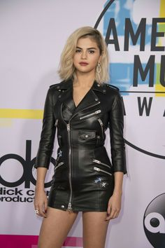 Selena Gomez attends the 2017 American Music Awards in Los Angeles