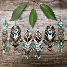Seed Bead Jewelry, Bead Jewellery, Seed Bead Earrings, Diy Earrings, Earrings Handmade, Hoop Earrings, Fringe Earrings, Beaded Earrings Native, Beaded Earrings Patterns