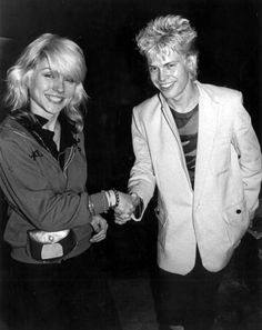 Debbie Harry and Billy Idol. Look at how young they are! And Billy Idol is wearing a white jacket? How perfectly respectable. 80s Music, Music Icon, Rock Music, Debbie Harry Style, Blondie Debbie Harry, Billy Idol, Rock N Roll, Musica Pop, Blues