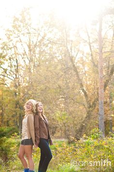 Need a best friend picture like this would love a picture like this with Jess & Katie :)