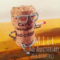 今日も元気にm.i.l.l...おーぷん!! 今週の金曜日で、m.i.l.l...2周年を迎えます   #久々のコルク人形と共に  #作ったその日にお客様にあげてしまった  #コルクアート  #コルク  #シャンパン  #本日のバイト  #ちほ  #もーすぐ2周年  #あっという間だった  #本日もご来店お待ちしております