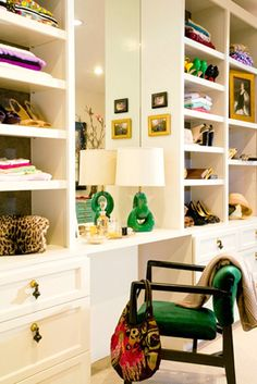 Can I have a closet that looks like this?...It's like being in a store...and I love the hints of green!
