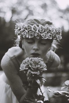 Floral headpiece and styling by Carmel Daly