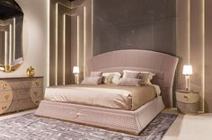 While glittering living rooms and blinding entryways are often the rule, Luxury Master Bedroom interior design is more restrained. Luxury Bedroom Design, Master Bedroom Design, Modern Bedroom, Master Bedrooms, Luxury Homes Interior, Home Interior, Interior Design, Modern Interior, Gold Bedroom Decor