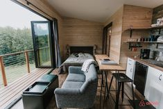 TINY HOUSE TOWN: Mt Hood View Tiny House