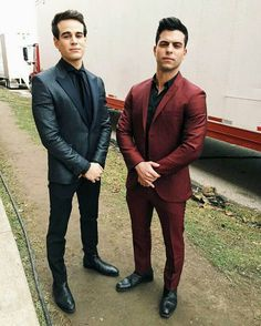 David Castro and Alberto Rosende Shadowhunters Series, Shadowhunters The Mortal Instruments, Dominic Sherwood, Clary Y Jace, Constantin Film, Simon Lewis, Isabelle Lightwood, Matthew Daddario, The Dark Artifices