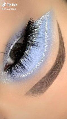 Edgy Makeup, Eye Makeup Art, Smokey Eye Makeup, Skin Makeup, Blue Makeup, Eyeshadow Makeup, Maquillage On Fleek, Silvester Make Up, Eye Makeup Designs