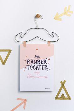 """""""Mehr+Räubertöchter+weniger+Prinzessinnen""""+Druck+von+grafikherz+–+feine+Typografie+++Grafik+für+Dein+Zuhause+auf+DaWanda.com"""