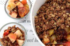 Apfel-Zwetschgen-Crumble mit schneller Vanillesoße {about Loaves and Fishes}
