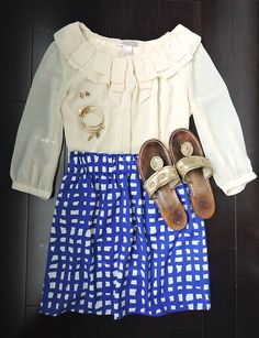 I love the white (vintage) lace top and highwaisted shorts!