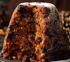 Easy Steamed Christmas Pudding Recipe is very popular for christmas. People make steamed christmas pudding for xmas and serve it with icecream, custard, brandy sauce. English Christmas Pudding, Chocolate Christmas Pudding, Xmas Pudding, Best Christmas Pudding Recipe, Pudding Desserts, Pudding Recipes, Snack Recipes, Dessert Recipes, Cooking Recipes